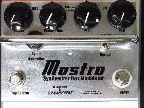 Sabbadius Mostro ~synthesizer Fuzz Modulator~ Fuzz with Oscillation switch