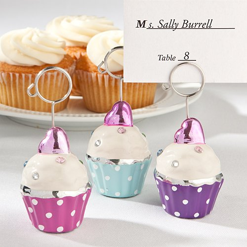 Adorable-cupcake-place-card-holders