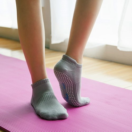 Non Slip Skid Socks with Grips,for Yoga,Barre Pilates,PiYo,Men and Women,2Pack Black and 2Pack Gray