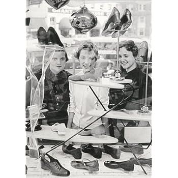 a828ff58613 Amazon.com : Women Shoe Shopping - Avanti America Collection Funny ...