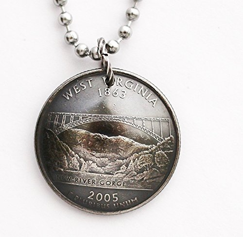 (West Virginia State Quarter Domed Coin Pendant New River Gorge Bridge Necklace 2005)
