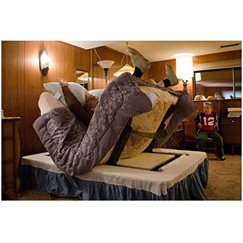 bad-grandpa-2013-8-inch-by-10-inch-photograph-johnny-knoxville-in-adjustable-bed-malfunction-kn