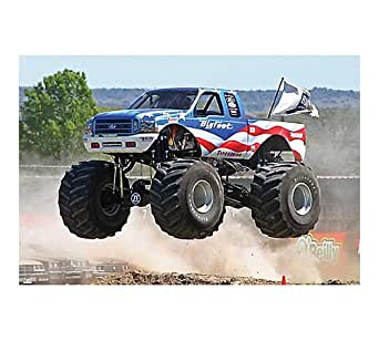 round 2 amt bigfoot ford monster truck toys. Black Bedroom Furniture Sets. Home Design Ideas
