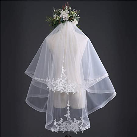Gyman Bridal Romantic Hair Veil With Lace Simple Tulle Short Wedding Veil Bridal Headdress Wedding Hair Accessories For Cathedral Wedding Halloween Beige Amazon Co Uk Kitchen Home