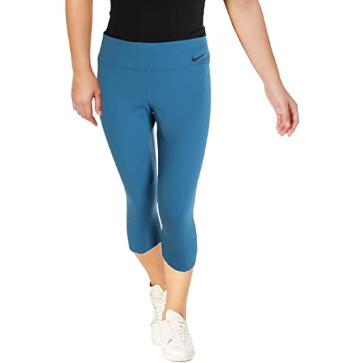 15cd03dbf03 NIKE Womens Cropped Fitness Athletic Leggings at Amazon Women s Clothing  store