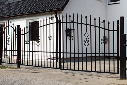 Luxus4Home 4,4m Doppelflügeltor Set Toreinfahrt 3,5m inkl. Gartentor 0,9m Gartenzaun Komplett-Set inkl. Torelemente, Pfosten und Beschlag