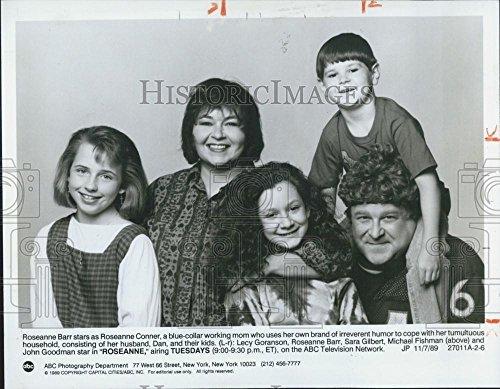 "1989 Press Photo Cast Of ""Roseanne"" Actors Lecy Goranson, Roseanne Barr"
