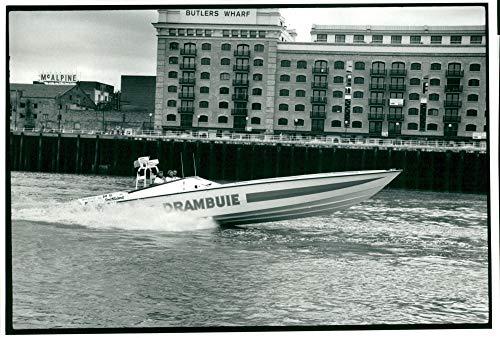 Vintage photo of speedboat drambuie