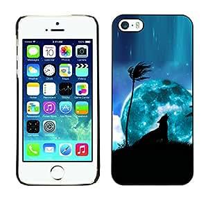 Qstar Arte & diseño plástico duro Fundas Cover Cubre Hard Case Cover para Apple iPhone 5 / iPhone 5S ( Blue Moon Wolf Palm Tree Night Sky Art)