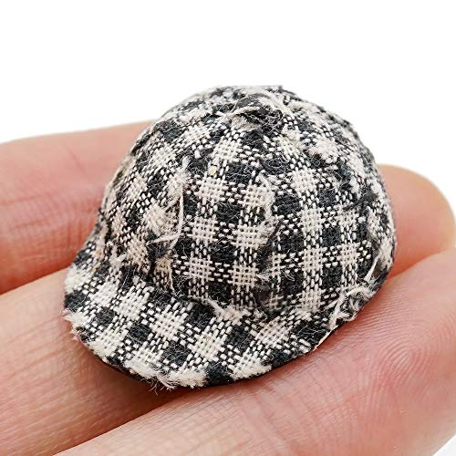 (Odoria 1:12 Miniature Plaid Cap Dollhouse Decoration Accessories)