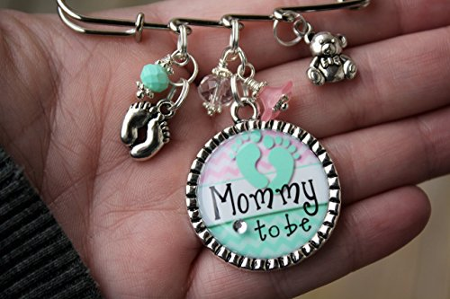 Personalized Mommy to be pin or choice of title Grandma Mom Aunt Nana Noni Gigi Baby shower kilt Pin It's a Boy Girl unique birth gender announcements expecting big news, -