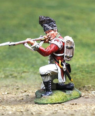 American Revolutionary War British 5th Regiment Foot Grenadier Kneeling Firing The Collectors Showcase Toy Soldiers Painted Metal Figure 54mm CS00839 Britains Thomas Gunn King and Country Type