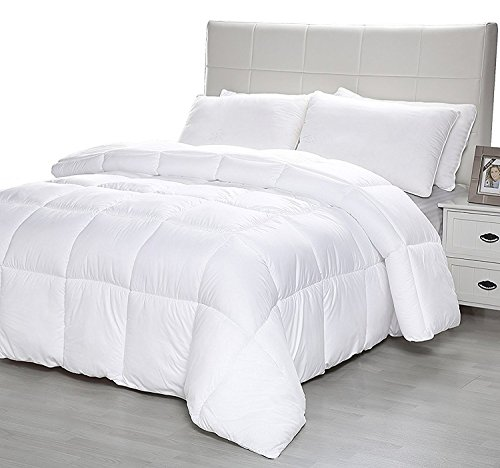 Down Alternative Comforter Duvet Plush Microfiber Fill Duvet Insert, Lightweight for All Season, Premium Hotel Quality – Machine Washable by The Duck And Goose Co – King