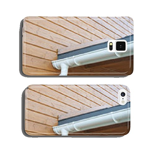closeup-of-problem-areas-for-white-rain-gutter-waterproofing-cell-phone-cover-case-iphone5