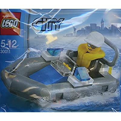 LEGO Police Dinghy 30011 - Extremely Rare 2011: Toys & Games