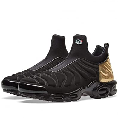 reputable site 5a975 05c1c Amazon.com   Nike Women s Air Max Plus Slip SP (6)   Fashion Sneakers