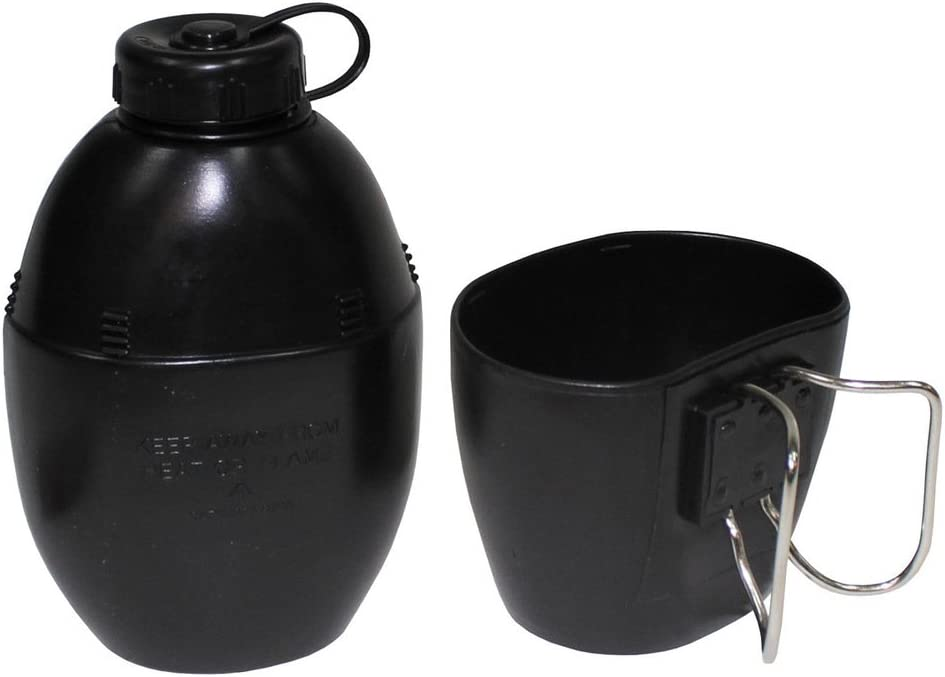 MFH 33231A Cantimplora británica de plástico. Negra. Vaso incluido. 850 ml