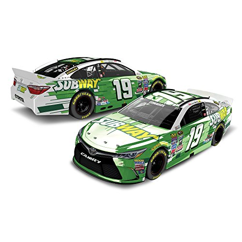 Lionel Racing Carl Edwards #19 Subway 2016 Toyota Camry NASCAR Color Chrome 1:24 Scale Diecast Car