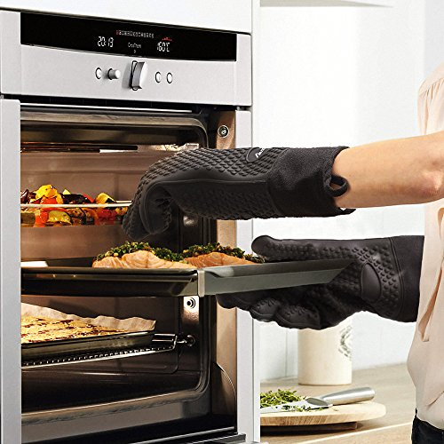 Auzilar Silicone Oven Mitts Extra-Long Heat Resistant Mitts Kitchen Gloves with Internal Cotton Lining for Cooking Pot Holder Grilling BBQ Baking Oven Fireplace Camping Kitchen and so on (Black) by Auzilar (Image #6)