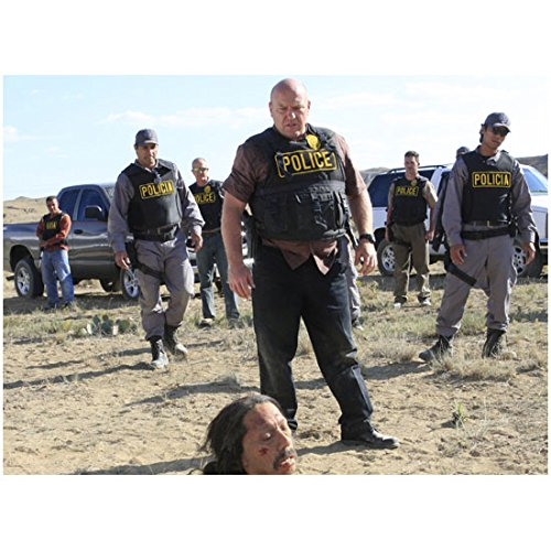 Hank Schrader and Police in Tactical Gear with Tortuga on Ground – 8×10 Photograph / Photo – Breaking Bad