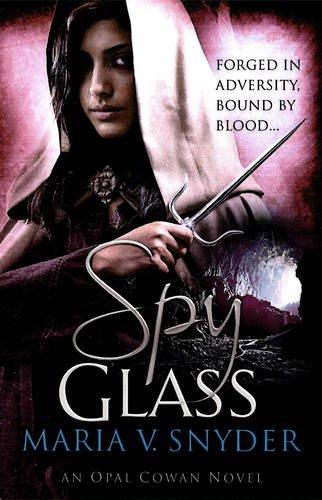 """""""Spy Glass (MIRA)"""" av Maria V. Snyder"""