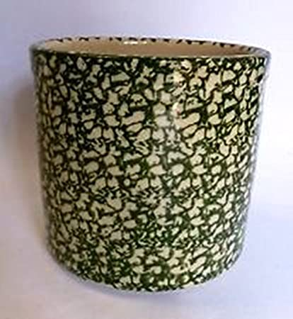 Short histories of the manufacturers are presented as they relate to Majolica wares.