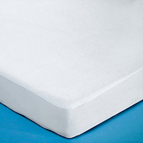 Protector Towelling Mattress (La Redoute Interieurs Boucle Terry Towelling Mattress Protector Over Polyurethane White Size 60 X 120 cm)