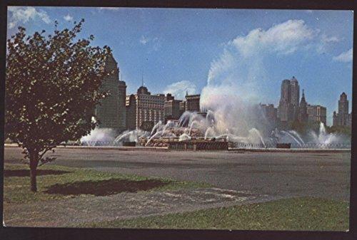 (Buckingham Fountain Memorial Grant Park Chicago Illinois Postcard)