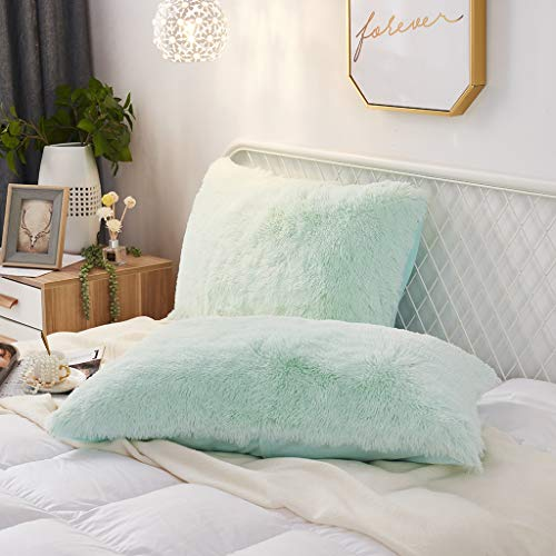 Uhamho Set of 2 Faux Fur Throw Pillow Covers Soft Velvet Decorative Pillowcases Zipper Closure