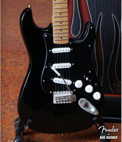 axe-heaven-fs-009-licensed-fender-strat-black-black-pguard