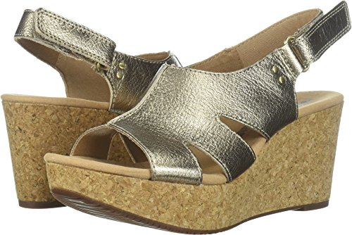 Clarks Women's Annadel Bari Platform, gold/metallic leather, 7 Medium -