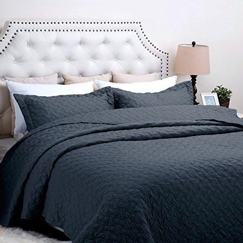 Bedsure 3-Piece Bedding Quilt set Navy Blue Full/Queen size 90x96 Bedspread with 2 Pillow Shams Pattern Soft Microfiber Coverlet set by Bedsure