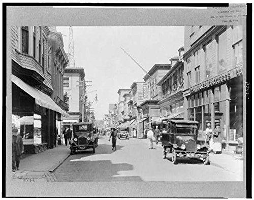 Photo: Thames Street,Newport,Rhode Island,RI,c1924,Bowling,Walsh - Newport Thames Street