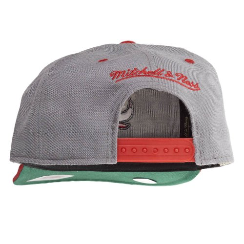 Mitchell & Ness Snapback Casquette - Chicaco Bulls gris