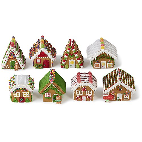 Wilton Build-it-Yourself Gingerbread Village Decorating Kit