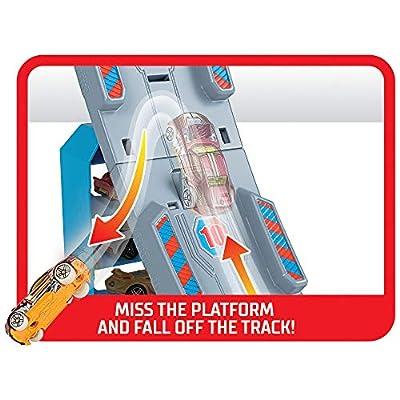 Hot Wheels Hill Climb Track Set, Multicolor: Toys & Games