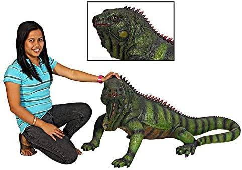 Design Toscano Giant Iggy the Iguana Reptile Statue