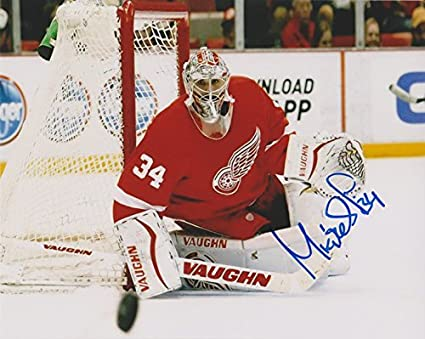 save off 749d7 bd556 Petr Mrazek Detroit Red Wings NHL 8x10
