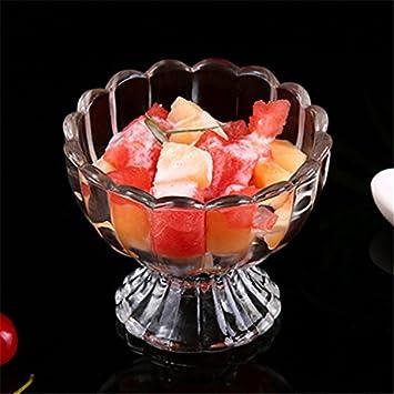 Libre de plomo transparente ensalada de fruta dulce un vaso de té con leche, agita