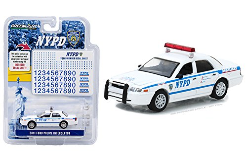 Greenlight New 1:64 HOT Pursuit Collection - White 2011 Ford Crown Victoria Police Interceptor NYPD with Decal Sheet Diecast Model ()