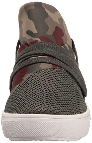 Camuffamento Delle Sneaker Delle Donne Di Moda Lancer Di Steve Madden