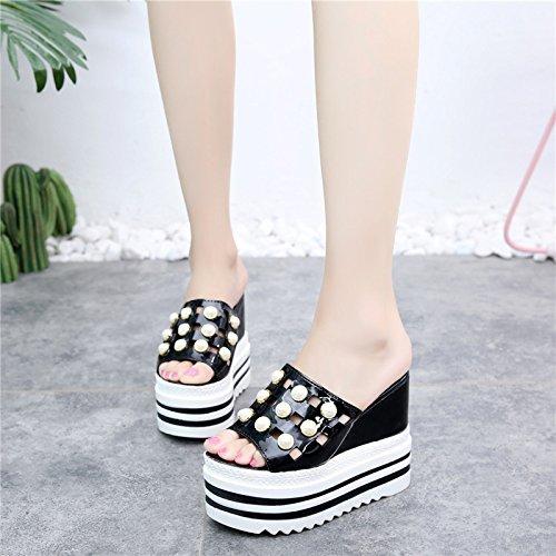 FLYRCX Estilo europeo con damas de verano high heels cool Zapatillas casual antideslizante de moda pendientes y calzado de playa. black