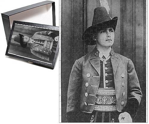 [Photo Jigsaw Puzzle Of Archduke Otto Habsburg] (Austrian National Costume)