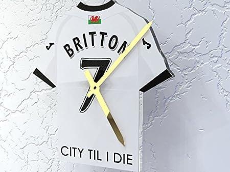 Reloj con forma de camiseta de la Premier League, plástico, Huddersfield Town FC Football Club, 175 MM X 150 MM X 10 MM: Amazon.es: Deportes y aire libre
