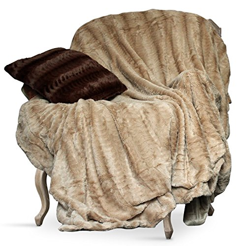 Animal Faux Fur Throw (Swift Home Micro-Mink Full/Queen Faux Fur Blanket, Tan)