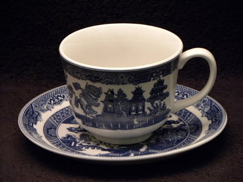 Johnson Bros. Blue Willow Cups & Saucers (Brothers Saucer Johnson)