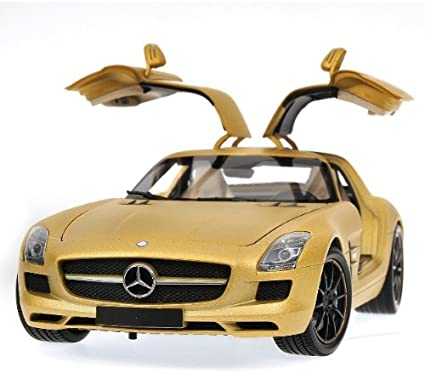 1:18 Minichamps Mercedes SLS AMG Coupe 2010 brownmetallic