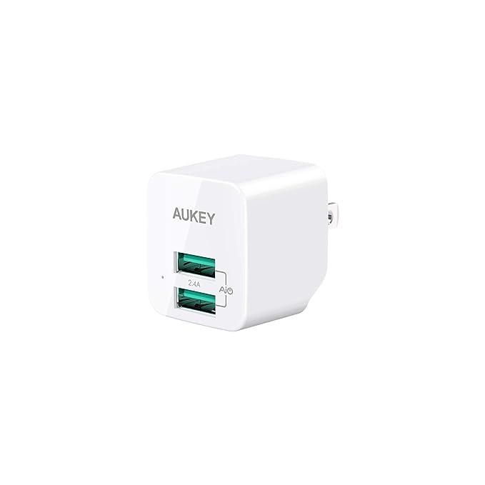 Aukey foldable USB plug