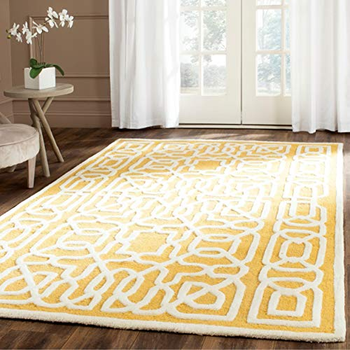 (Safavieh Cambridge Collection CAM570Q Handcrafted Moroccan Geometric Gold and Ivory Premium Wool Area Rug (4' x 6'))
