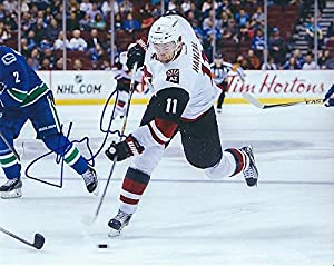 Signed Martin Hanzal Arizona Coyotes - Certified Autograph